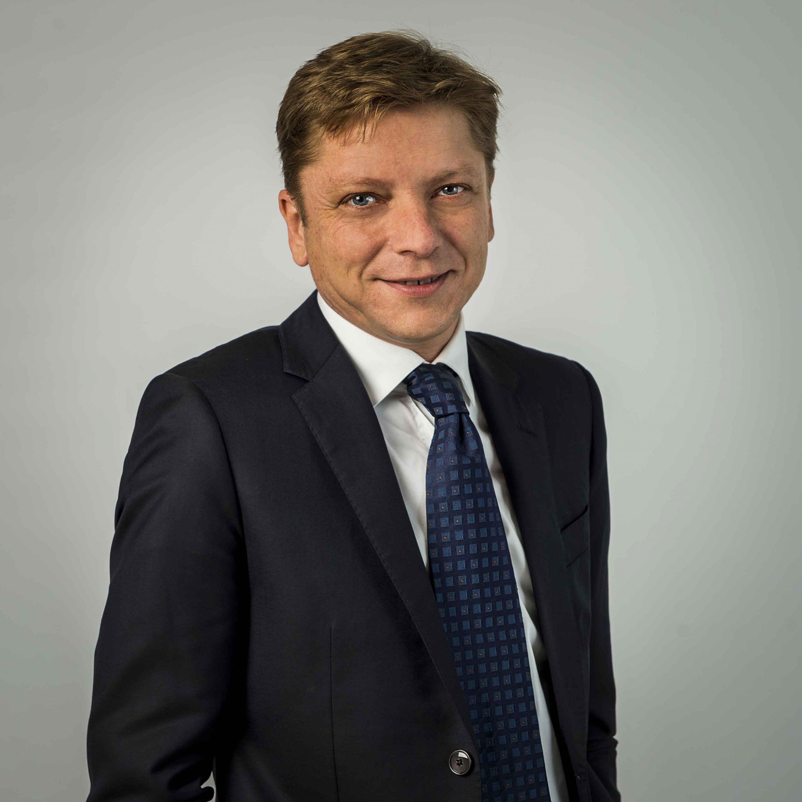 Sylvain Lhôte takes up duty as Director General