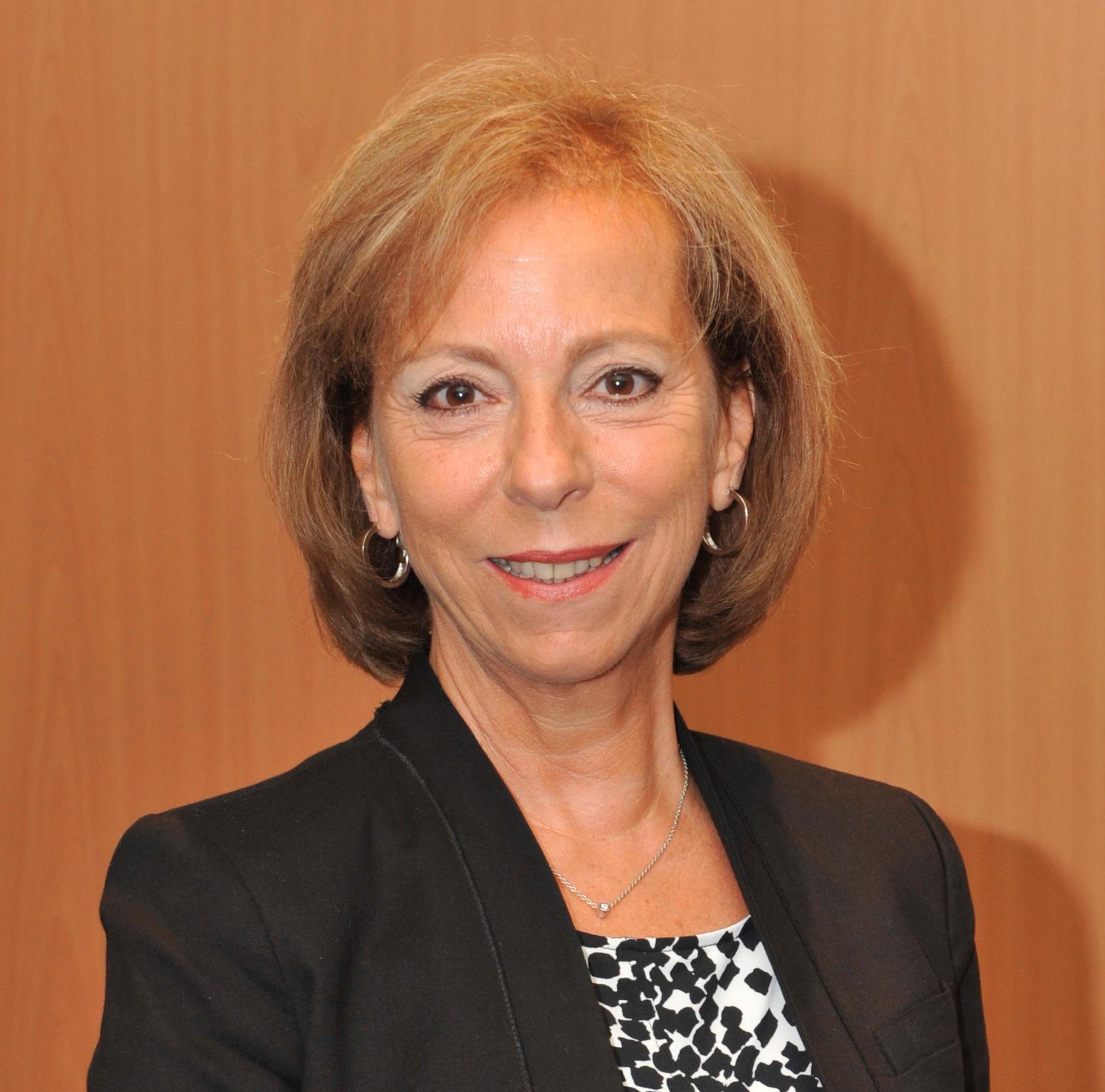Teresa Presas to leave CEPI in May 2014